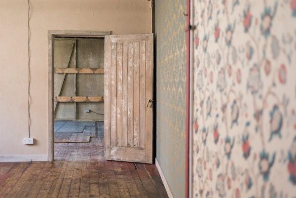 47-49 Tanner Street - The Factory interior doorway