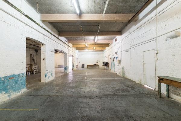 47-49 Tanner Street - The Garage