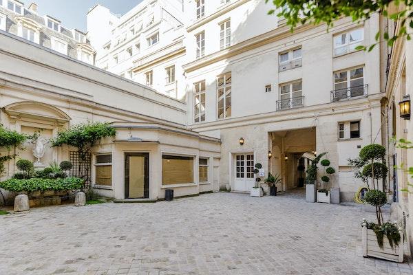 350 Rue Saint Honoré