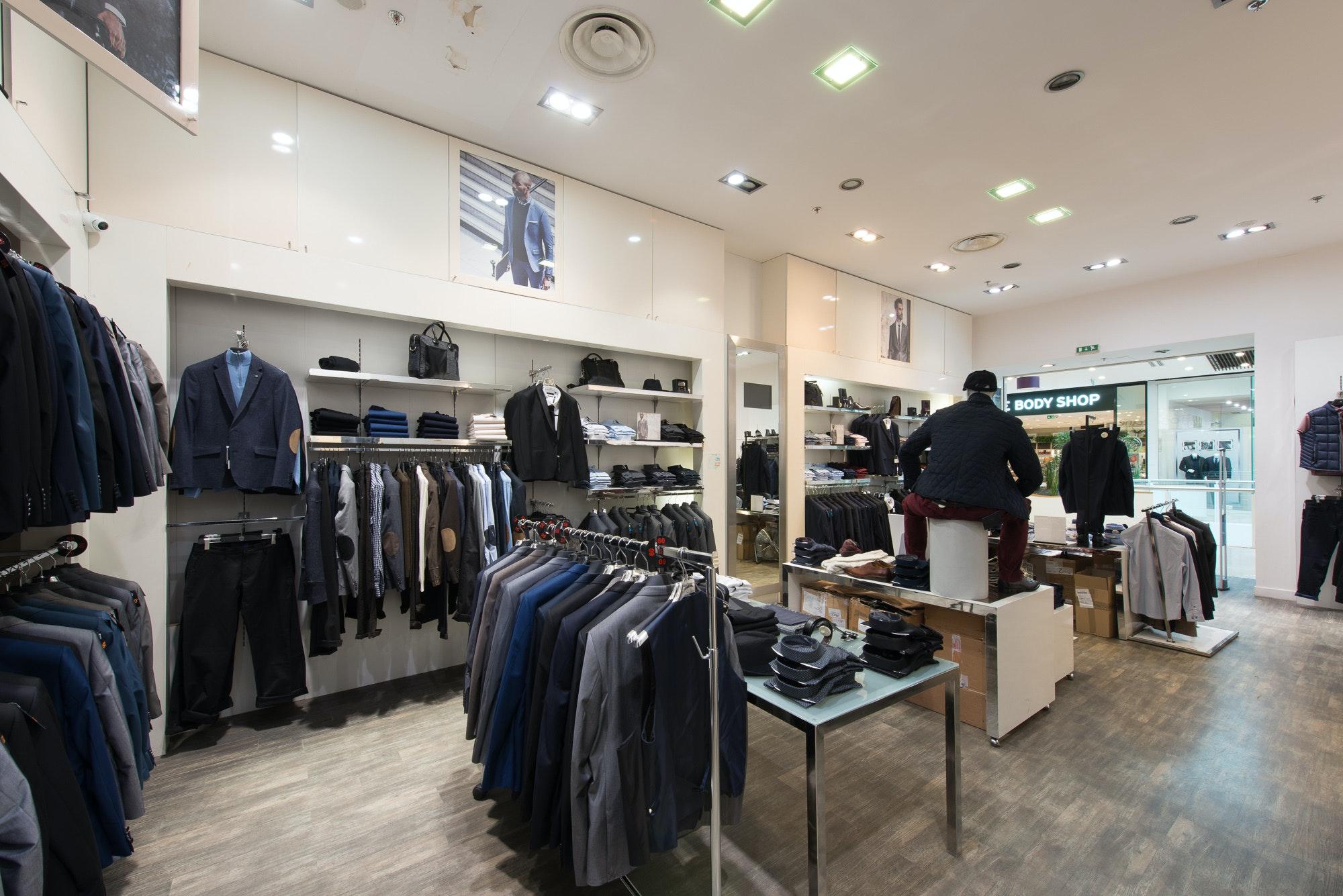 boutique lacoste parinor Soldes France - vente de chaussures de ... 767d013b8242