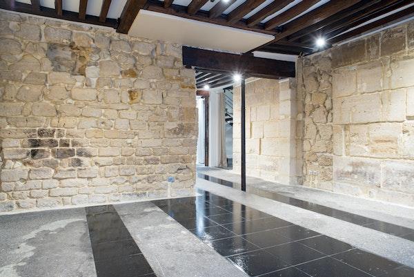 Galerie-boutique en duplex du Haut-Marais