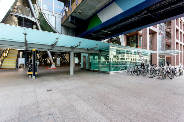 Canary Wharf – Heron Quays Station Experiential Space
