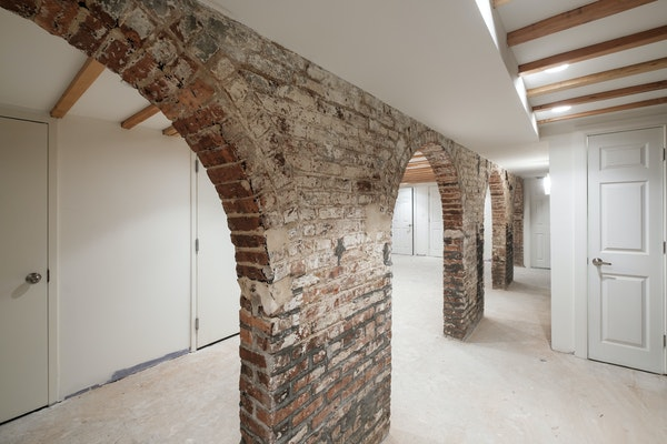 Fulton Street, Bed Stuy – Brick Arch Retail Space