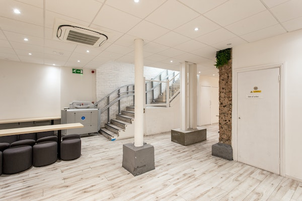 Eastcheap, The City – Momument F&B Space