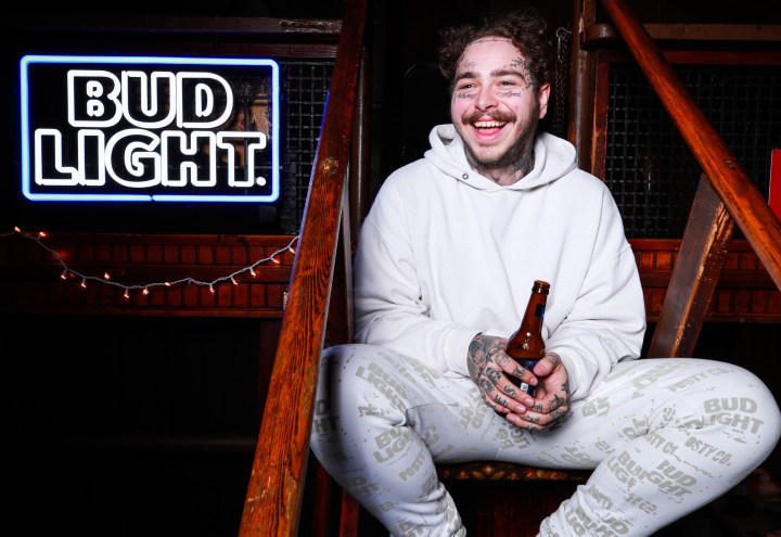Post Malone, pop up, nyc, new york pop up, how to pop up, pop up space, pop up for rent, post malone x bud, Budweiser