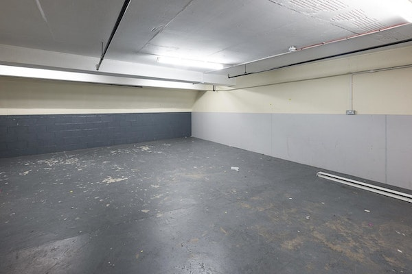 Rowland Hill Shopping Centre - Unit 14